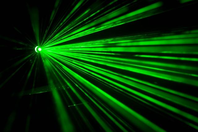 zelený laser