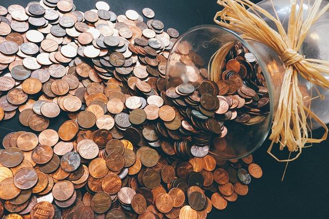 hodně mincí